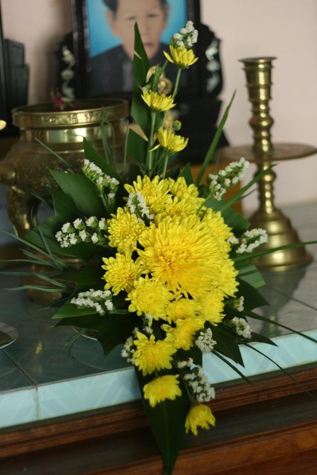 các kiểu cắm hoa cúc vàng (3)